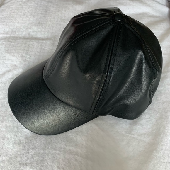 Aritzia Accessories - Wilfred Free ball cap